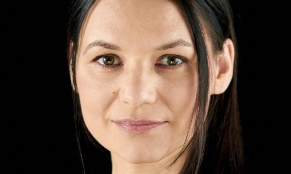 Dr. Julia Dordel