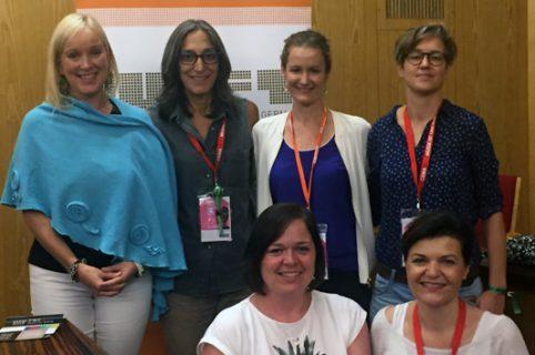 Francine Raveney, Miriam Cutler, Nicole Ackermann, Jasmin Reuter (stehend von links),  Jessica Curry, Cornelia Köhler (vorne)